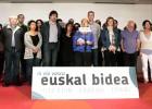 PNV y PSE lanzan un plan económico y Bildu, la 'vía vasca'