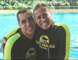 Alexis Martínez y Dawn Brancheau, las dos víctimas, uno de los días que coincidieron en Loro Parque.