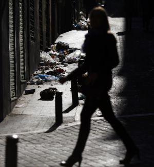 Desperdicios en la calle de la Costanilla de los Desamparados.
