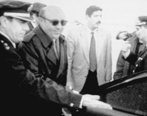 En 1995, Roldán llega a Madrid tras ser detenido en Laos.
