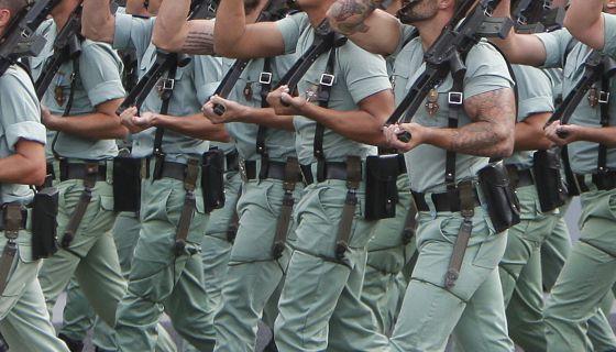 Un grupo de legionarios desfilan el pasado 12 de octubre.