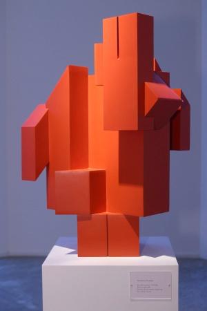 'Escultura roja', una obra de rueda del año 1980.