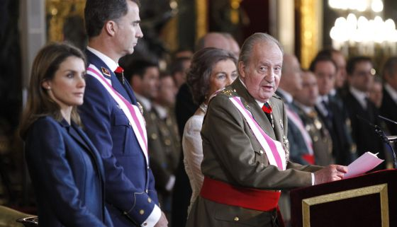 The king, accompanied by the prince and princess of Asturias, makes his speech on Monday.