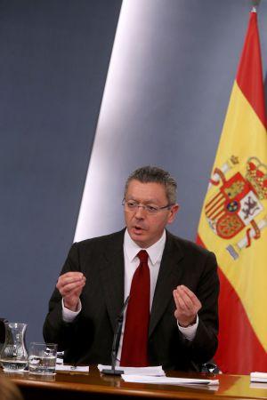 El ministro de Justicia, Alberto Ruiz-Gallardón, presenta tras el Consejo de Ministros, el anteproyecto de reforma de la ley del aborto.