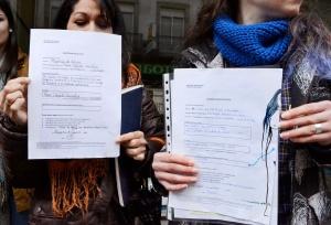 Decenas de mujeres registran su cuerpo en Pontevedra en contra de la ley del aborto