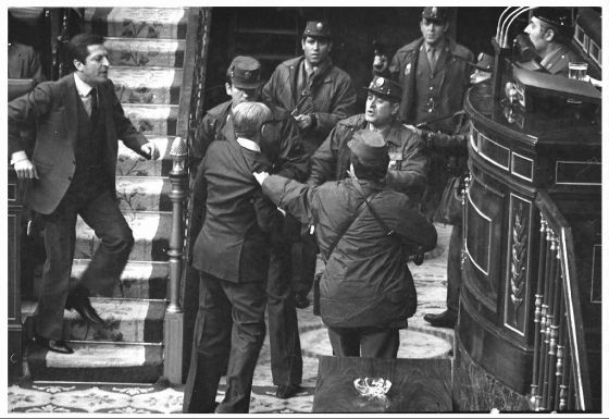 Prime Minister Adolfo Suárez (l) confronts civil guards during the coup attempt on February 23, 1981.