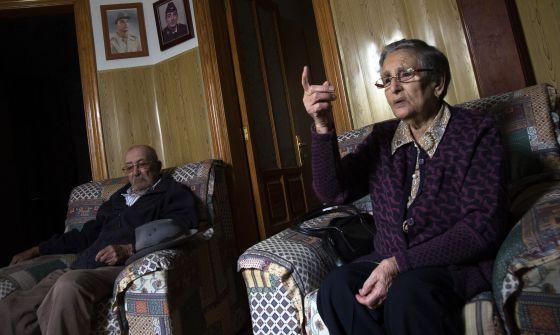 Marcial y Pilar, en su casa de Arrecife (Lanzarote).