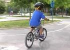 El casco ciclista para menores de 16 es obligatorio desde este viernes