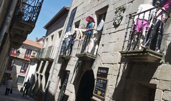 El museo de la moda en el casco urbano de la villa de Allariz.