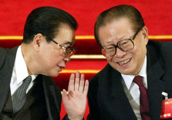 Li Peng, ex primer ministro, y Jiang Zemin, expresidente de China, en 2003.