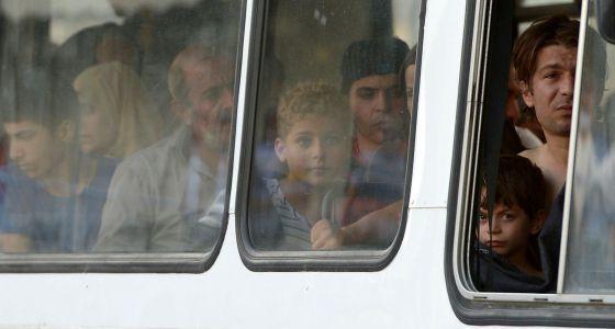 Náufragos de la tragedia Lampedusa tras ser rescatados.