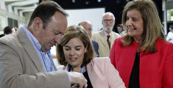 """Santamaría carga contra Podemos: """"Dicen lo que la gente quiere oír"""" 1405014140_923261_1405016154_noticia_normal"""