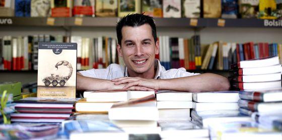 Luis Gónzalo Segura, en la Feria del Libro de Madrid