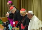 Francisco logra que el Sínodo acoja a gais y nuevas familias