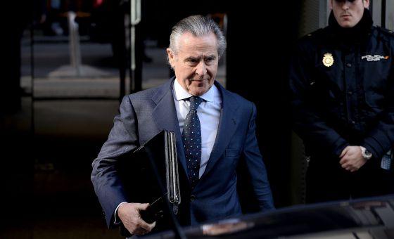 Caja Madrid y Bankia ocultaron desde 2009 el sueldo real de los ejecutivos