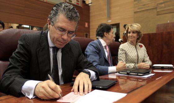 Francisco Granados, Tomás González y Esperanza Aguirre en la Asamblea de Madrid.