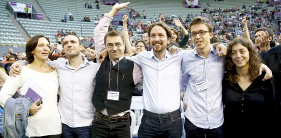 Podemos leader Pablo Iglesias (center) with his team.