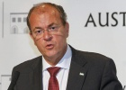 Monago niega haber cargado al Senado vuelos privados a Canarias