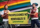 Greenpeace activists injured after navy blocks Canaries oil protest