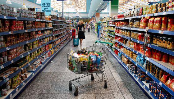 Interior de un supermercado en Madrid.