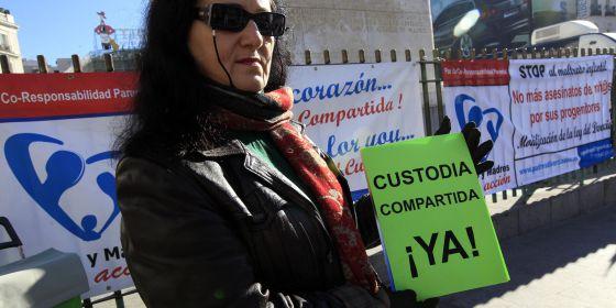 Una concentración en Madrid para pedir la custodia compartida, en 2011.