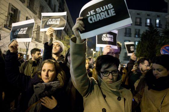 Concentración en Madrid en repulsa por el atentado de París.
