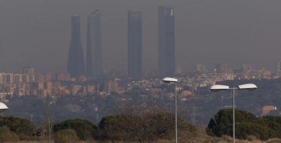 Vista de Madrid desde un pueblo cercano el lunes.