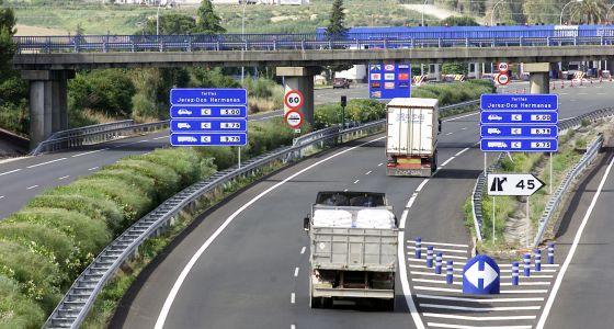 La autopista de peaje AP-4, entre Sevilla y Cádiz.