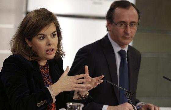 Soraya Sáenz de Santamaría y Alfonso Alonso