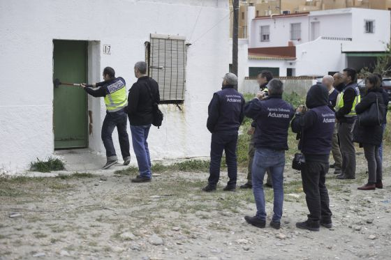 30 mafias dan trabajo en la l nea espa a el pa s - Casas embargadas en la linea dela concepcion ...