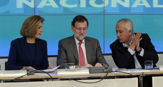 Cospedal, Rajoy y Arenas en la reunión del comité ejecutivo nacional del 23 de marzo.