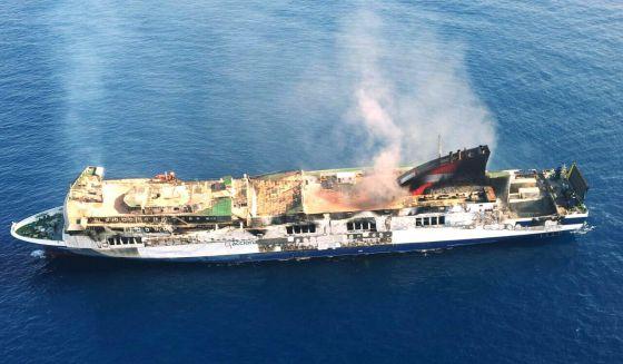 El buque sorrento espera en alta mar a ser remolcado espa a el pa s - Tanatorio puerto de sagunto ...