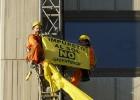 Detenidos cuatro activistas por protestar contra el 'impuesto al sol'