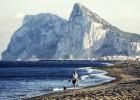 Gibraltar y España se acusan de favorecer el crimen en el Peñón