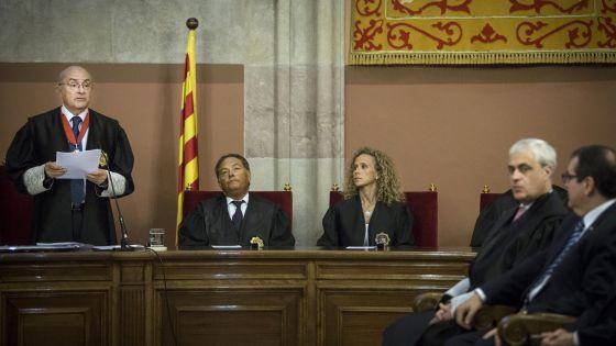 El Tribunal Superior catalán insta a Mas a que deje de reclutar magistrados