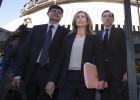 El Constitucional avisa a 21 políticos del castigo de ignorar la ley