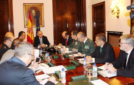 Reunión de evaluación de la amenaza terrorista, celebrada este martes en el Ministerio del Interior, en Madrid.
