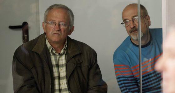 Juan María Múgica (i) y Luis Ignacio Iruretagoyena (d), dos de los cuatro etarras a los que juzga la Audiencia Nacional por intentar matar a José María Aznar.