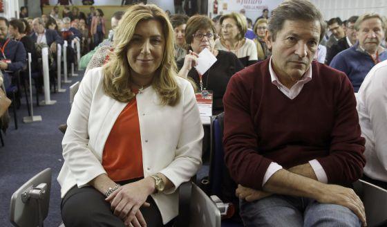 Susana Díaz y Javier Fernández, durante el comité federal.