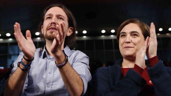 Pablo Iglesias y Ada Colau en La Caja Mágica (Madrid) el 13 de diciembre.