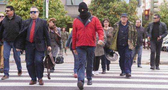 El supuesto infiltrado en la familia de El Cuco, a su llegada a los juzgados de Sevilla.