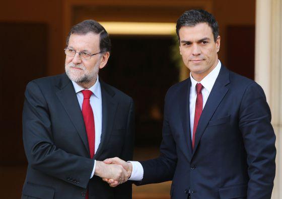 Mariano Rajoy y pedro Sánchez, el pasado 22 de diciembre.