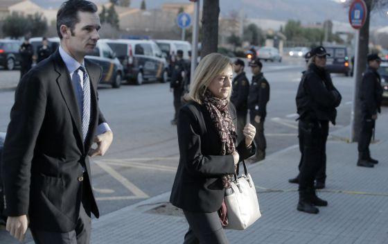 Llegada de la infanta Cristina y de Iñaki Urdangarín a la sala en Palma de Mallorca