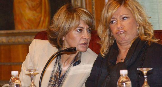 Isabel García Marcos y Marisol Yagüe, en un pleno municipal en 2005.