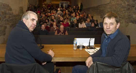 Josu Beaumont (i) y Rufi Etxeberria, de Sortu, el martes.