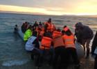 Grecia detiene a tres españoles que asistían a refugiados en Lesbos