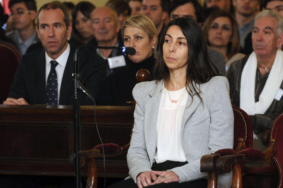 La hija de la asesina confesa de Carrasco se desvincula del crimen