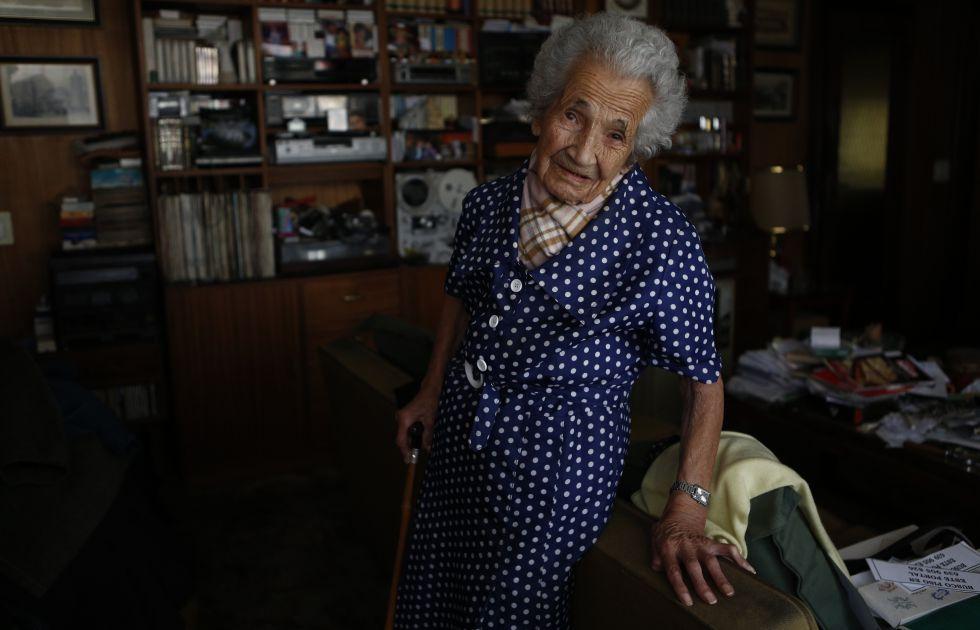 Ciriaca González, de 107 años, en su casa de Moratalaz (Madrid).