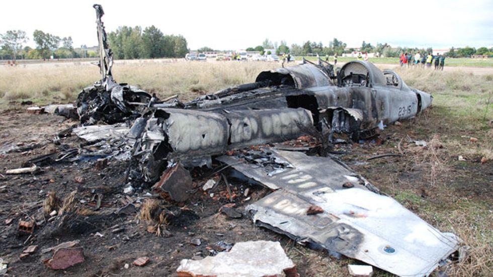 Estado en que quedó el F-5 accidentado en Talavera la Real (Badajoz)