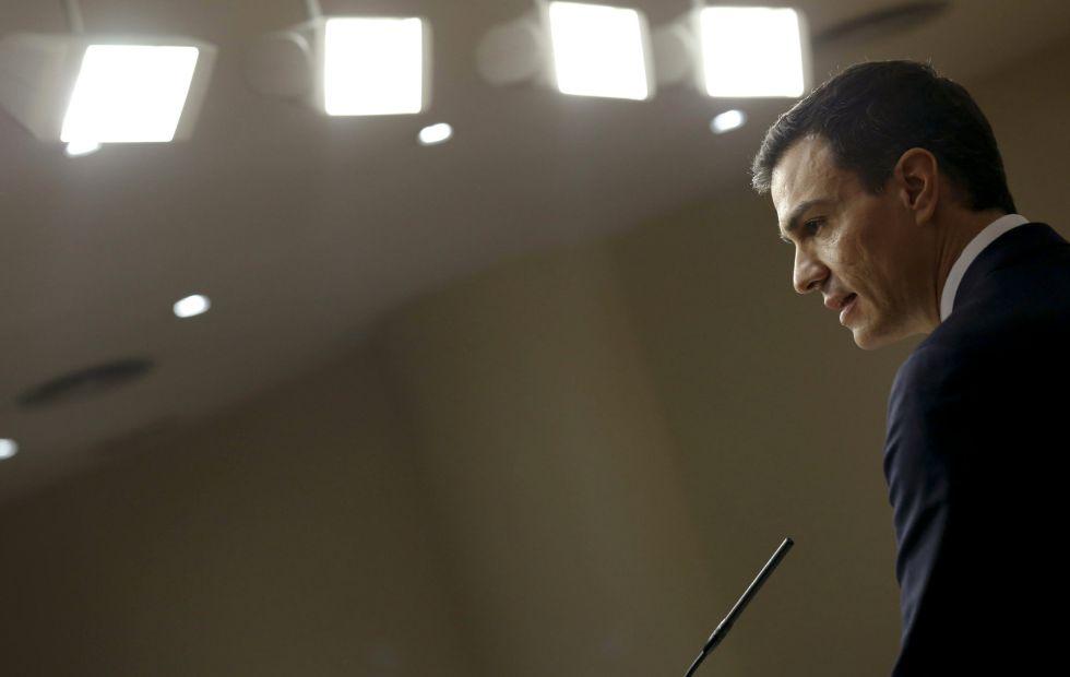 El secretario general del PSOE, Pedro Sánchez, en la rueda de prensa posterior a su reunión con el Rey de la ronda de consultas.